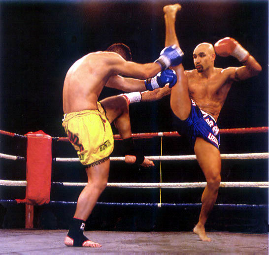 8e767a473a Tou savoir sur le kickboxing : Équipement, règles, techniques...